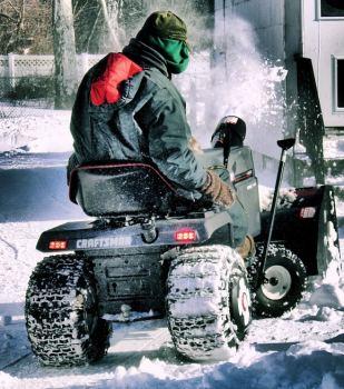 Schneepflug aufsitz traktor