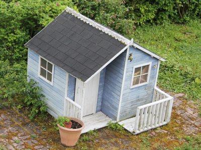 Gartenhaus mit Terasse
