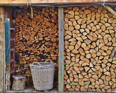 Holzlager Geräteschuppen